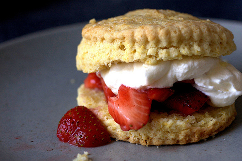 Twist on one of my favourite desserts - strawberry shortcake! Via Smitten Kitchen.