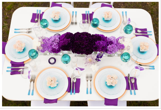 Ombre table setting idea, via Ruffled Blog