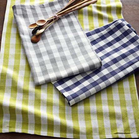 Tea Towel: picnic-in-the-park feel, all the time