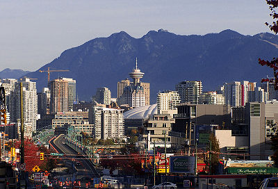 Vancouver city and mountains, c/o Wikitravel